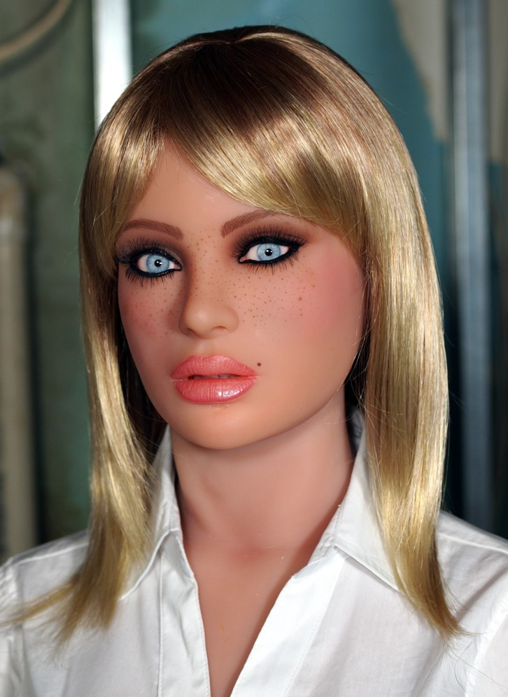 Real Doll Bust, Shannon